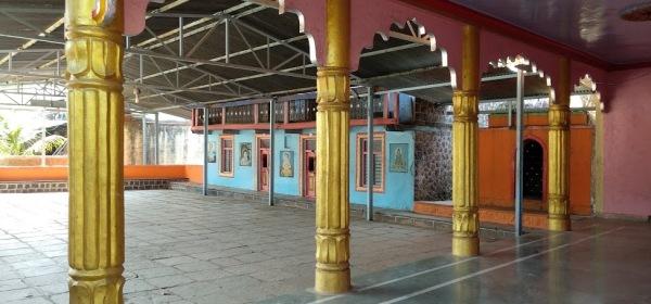 कुडे खुर्द - ग्रामदैवत भैरवनाथ मंदिराचे आवार